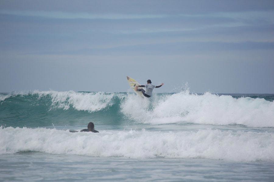 Clases de surf surf galicia experience escuela de surf for Inmobiliaria pedrosa